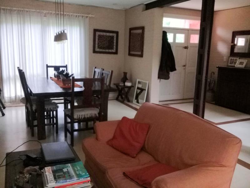 Foto Casa en Alquiler temporario en  Barrio Parque Leloir,  Ituzaingo  Montero Lacasa al 1400