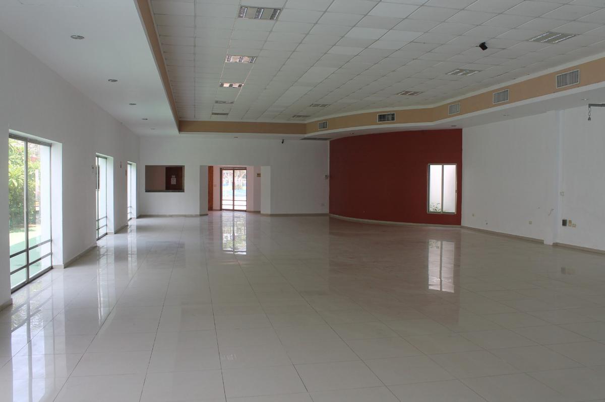 Foto Local en Venta en  Fraccionamiento Chuburna de Hidalgo,  Mérida  En venta salón de eventos sociales.