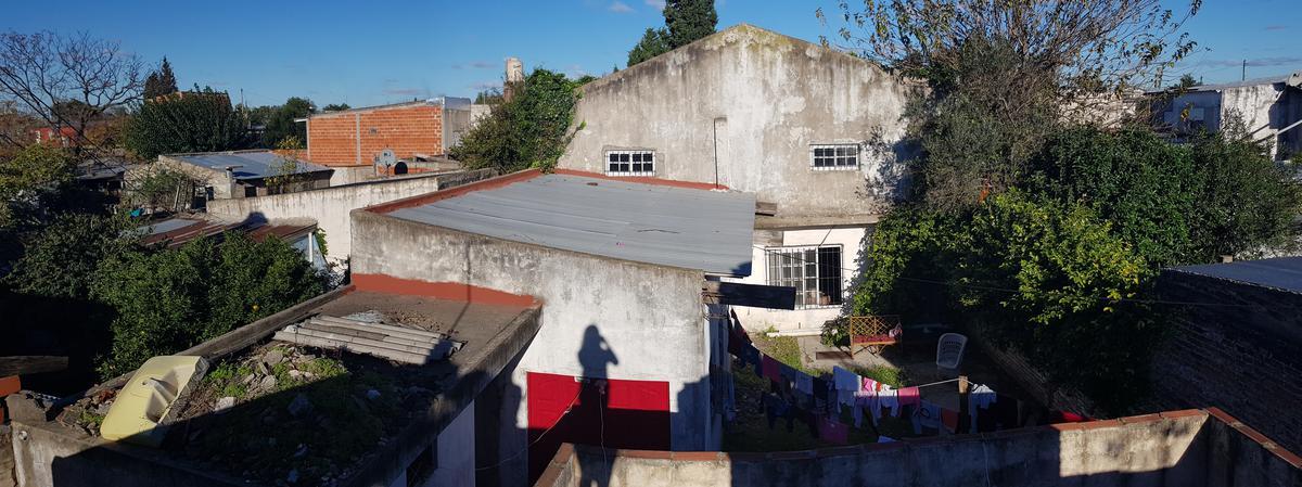 Foto Casa en Venta en  Quilmes Oeste,  Quilmes  Av. Santa Fé al 1900
