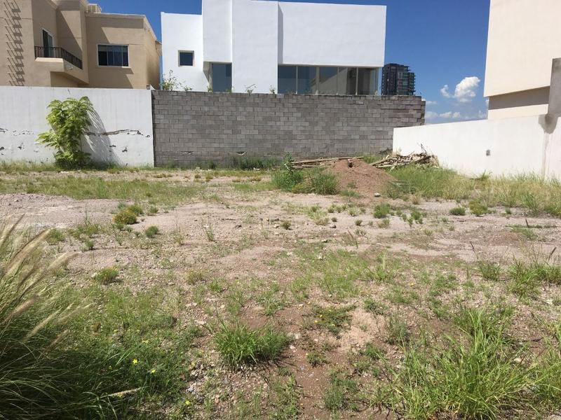 Foto Terreno en Venta en  La Escondida,  Saucillo  Lote Residencial