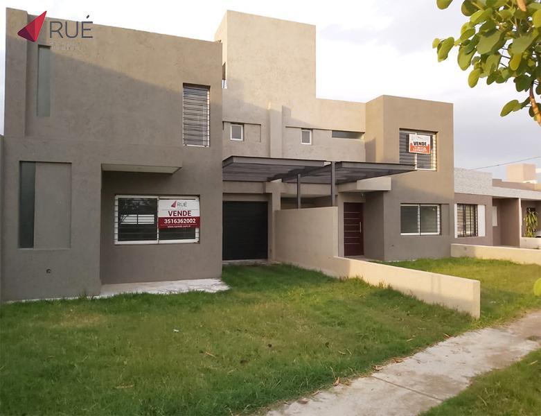 Foto Casa en Venta en  JARDINES DEL OLMO,  Cordoba Capital  Dúplex en Venta de 3 Dormitorios en Jardines del Olmo (Zona sur)