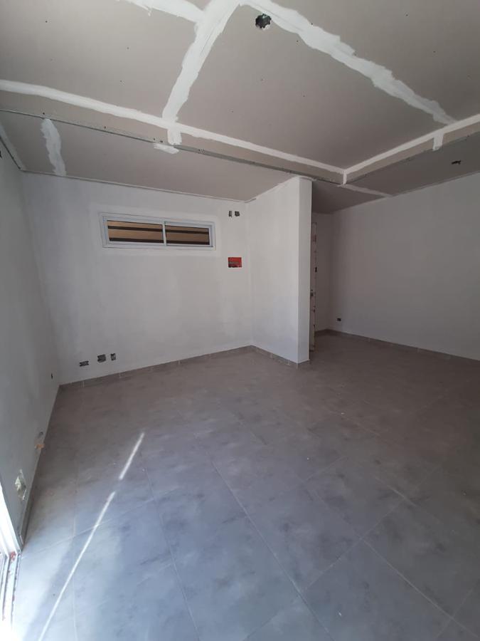 Foto Departamento en Venta en  Los Hornos,  La Plata          69 y 133