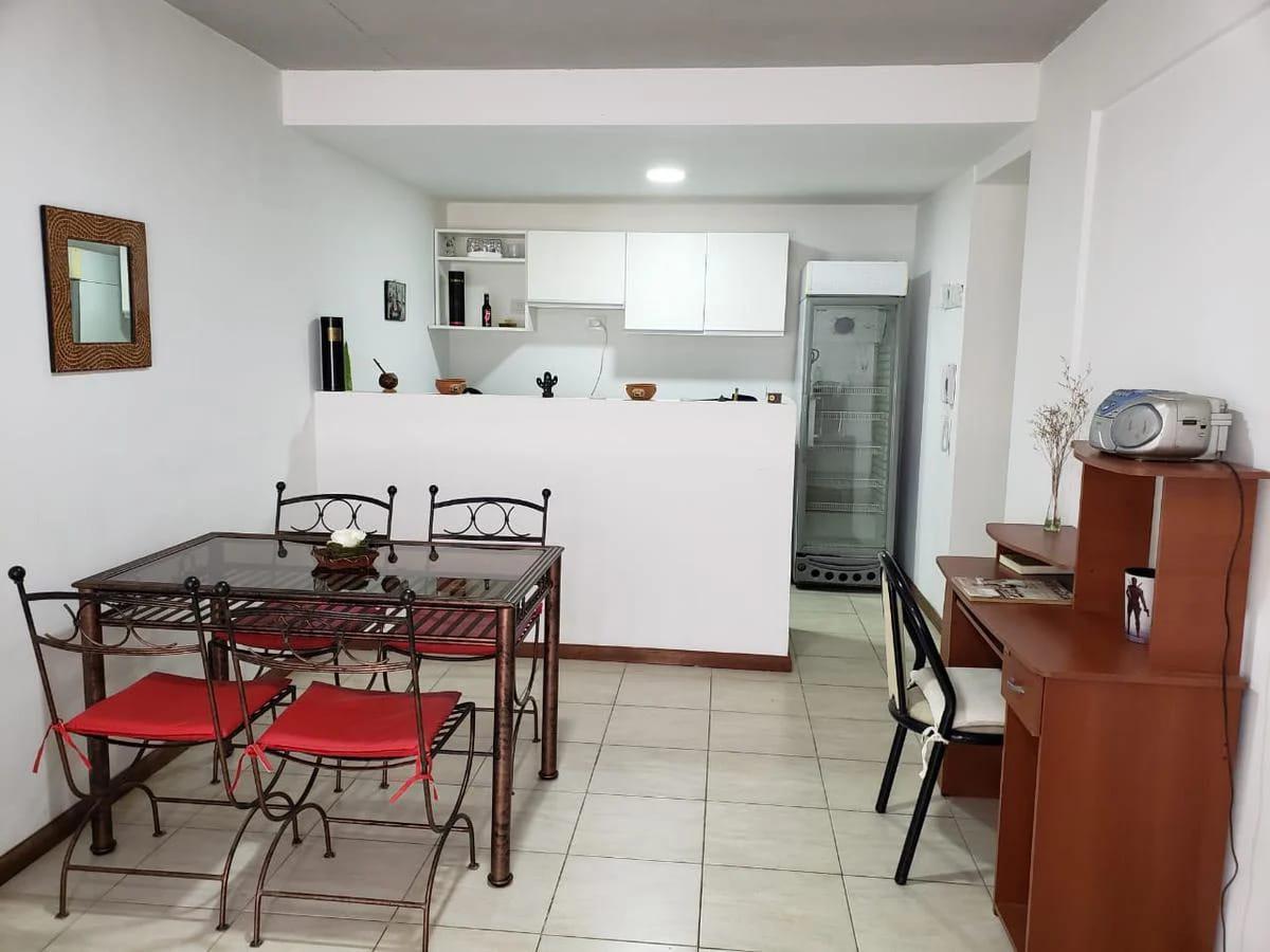 Foto Departamento en Venta en  República de la Sexta,  Rosario  Ayacucho al 2200