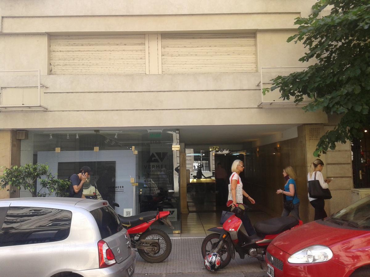 Foto Oficina en Alquiler en  Recoleta ,  Capital Federal  Suipacha al 1100