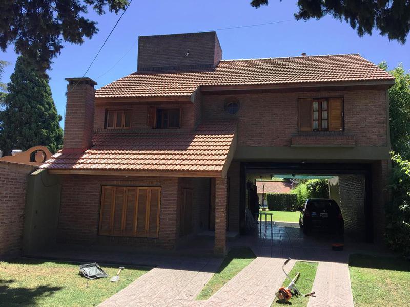 Foto Casa en Venta en  Manuel B Gonnet,  La Plata  507 entre 12 y centenario