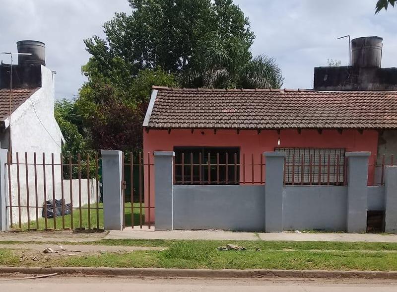 Foto Casa en Venta en  Barrio Parque Leloir,  Ituzaingo  segundo sombra al 1700