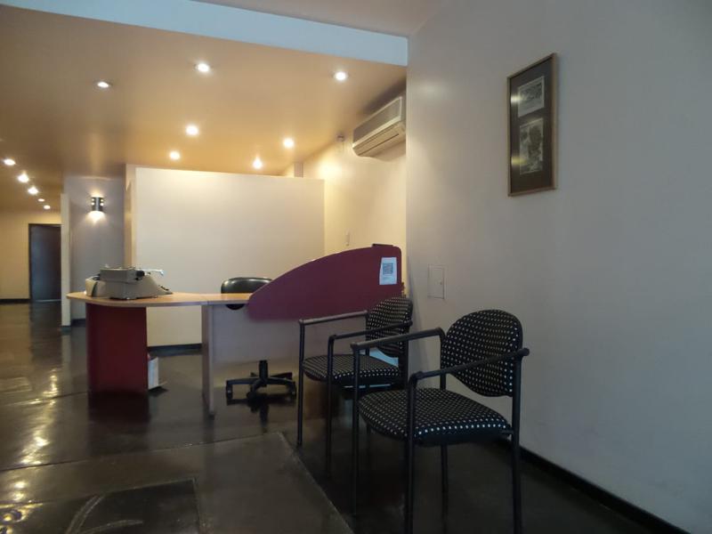Foto Oficina en Venta | Alquiler en  Capital ,  Tucumán  9 de Julio al 200