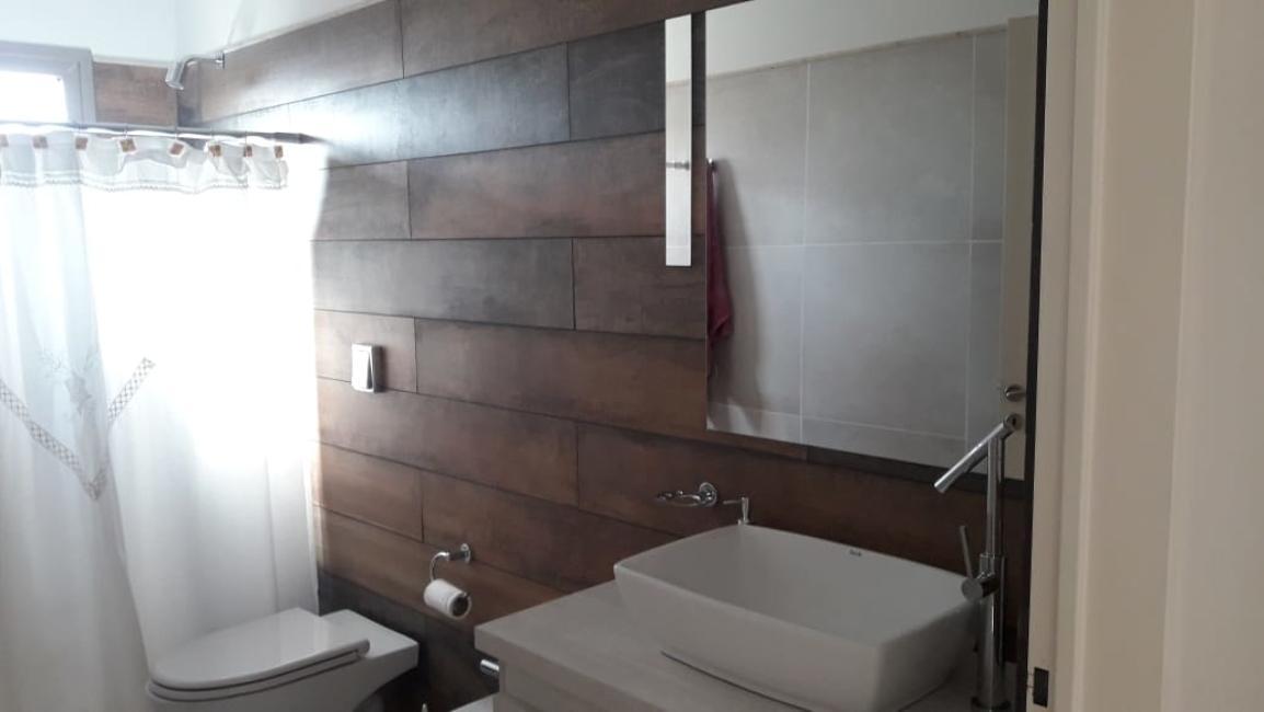 Foto Casa en Venta en  Plottier,  Confluencia  Canales de Plottier. Casa en Venta. Excelente Oportunidad