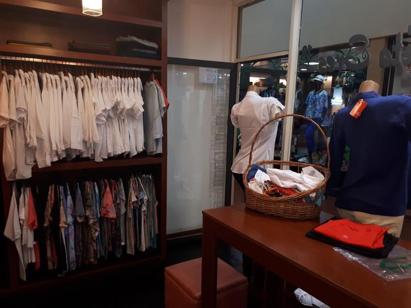 Foto Local en Venta en  San Miguel De Tucumán,  Capital  Ideal local comercial GALERIA EL ANGEL San Martin al 600