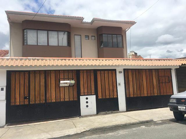 Foto Casa en Venta en  Centro de Cuenca,  Cuenca  Adolfo Torres,  Mercado 27 de Febrero, Cdla. San Marcos