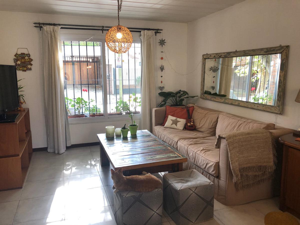 Foto Casa en Alquiler en  Mart.-Santa Fe/Fleming,  Martinez  Tres Sargentos al 1000