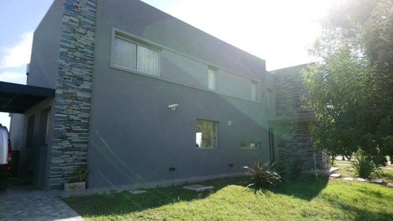 Foto Casa en Venta | Alquiler en  El Canton,  Countries/B.Cerrado (Escobar)  El Canton