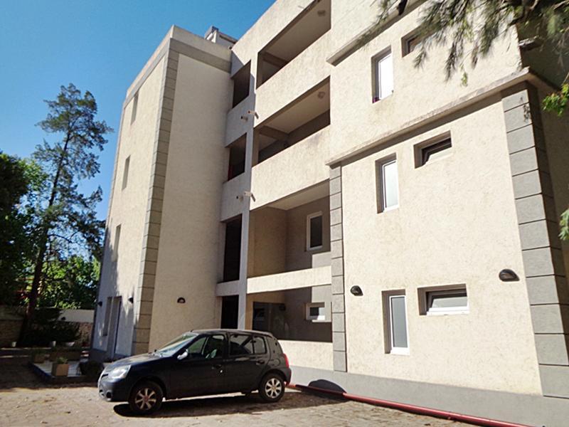 Foto Departamento en Alquiler en  Pilar ,  G.B.A. Zona Norte  Los Almendros  al 1400