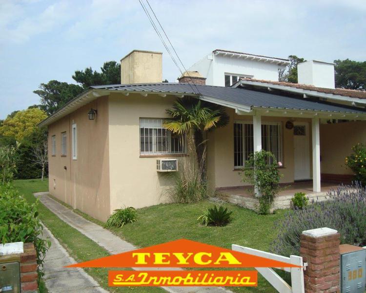 Foto Casa en Alquiler temporario en  Pinamar ,  Costa Atlantica  TRITONES 380 E/ AV. LIBERTADOR Y  LOS PINOS