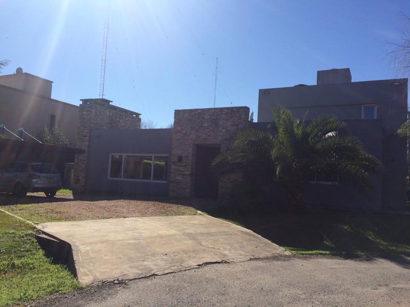 Foto Casa en Venta en  Barrio Parque Leloir,  Ituzaingo  Altos del Sol