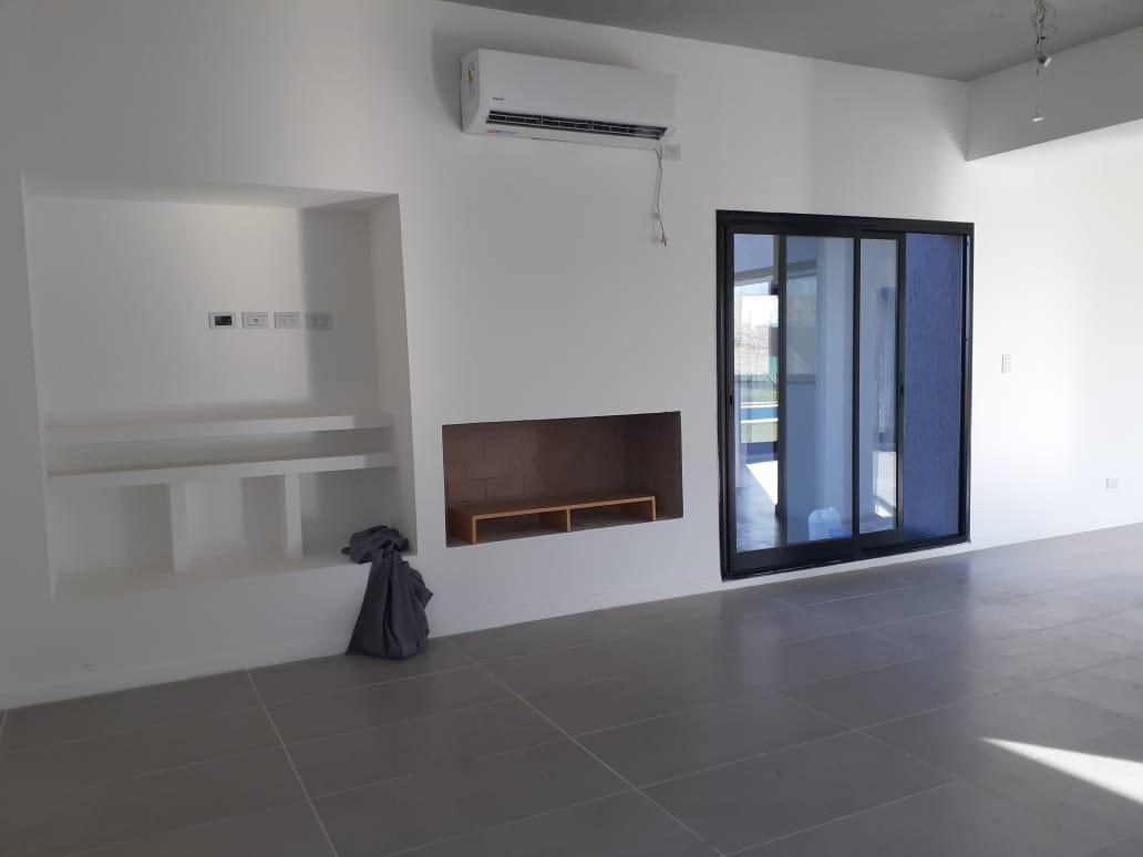 Foto Casa en Venta en  El Canton - Golf,  Countries/B.Cerrado (Escobar)  Libertad al 300