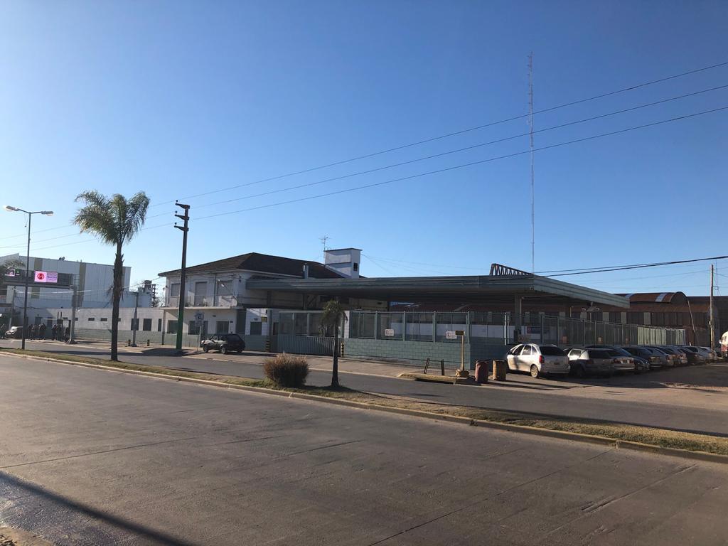 Foto Local en Venta en  Jose Clemente Paz,  Jose Clemente Paz  Hipolito Yrigoten 99