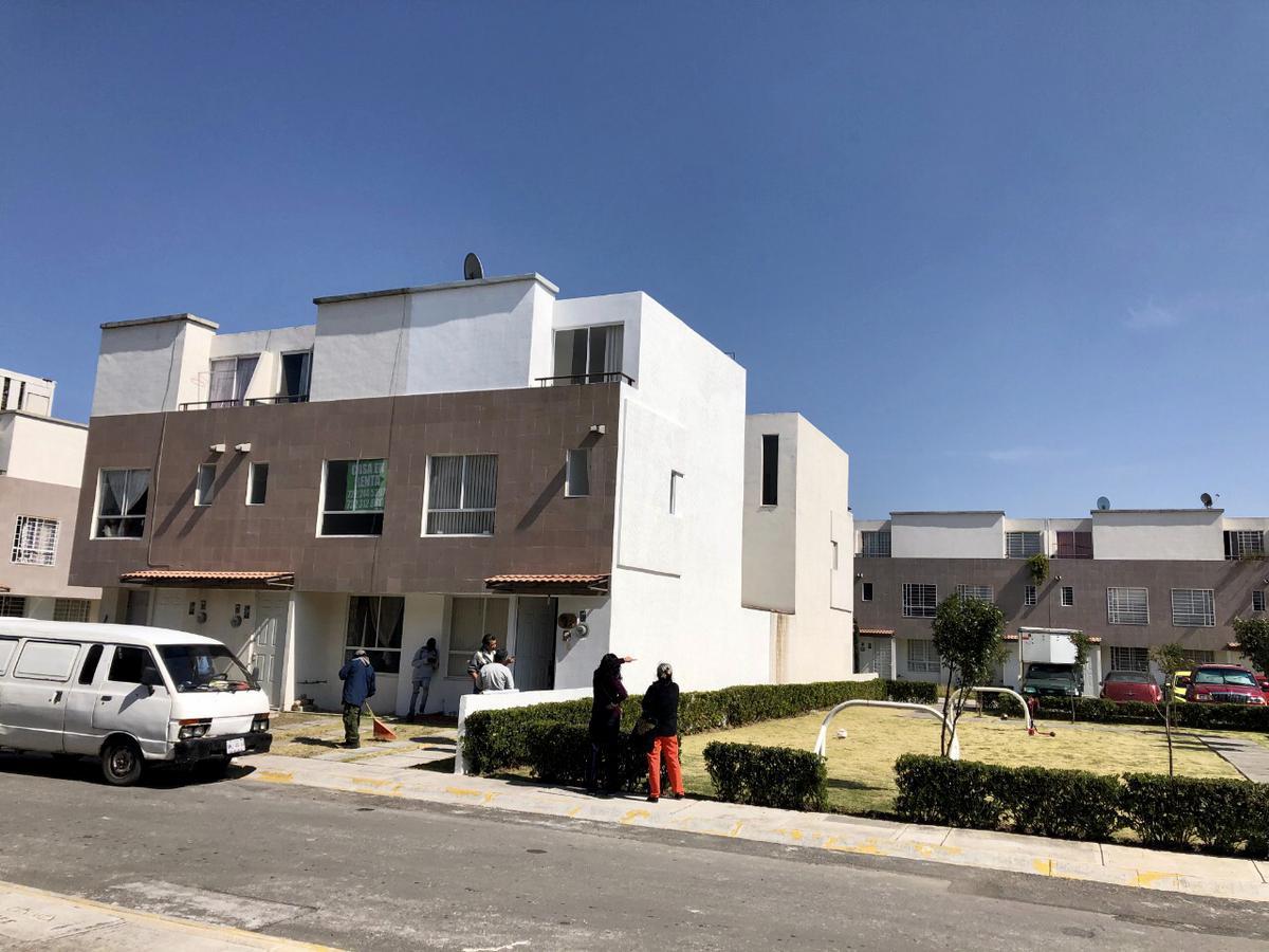 Foto Casa en condominio en Venta en  Corredor Industrial Toluca Lerma,  Lerma  Vía Láctea  Condominio Marte