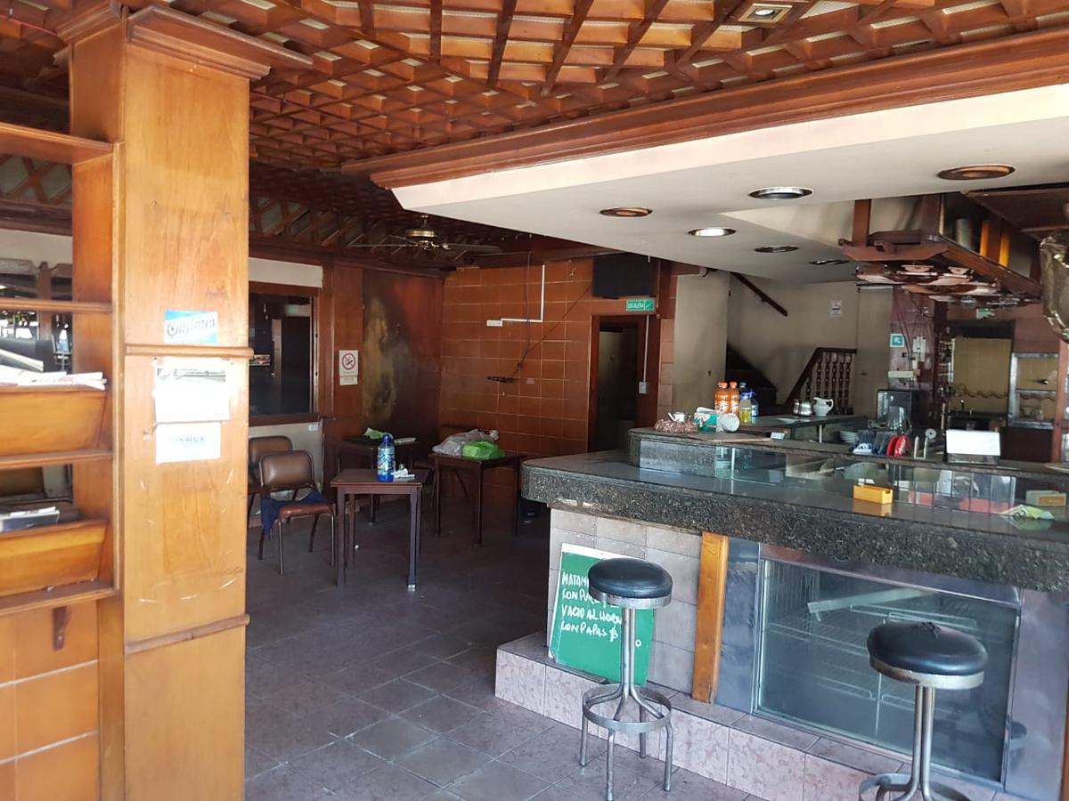 Foto Local en Alquiler en  Avellaneda ,  G.B.A. Zona Sur  Av. Belgrano 300