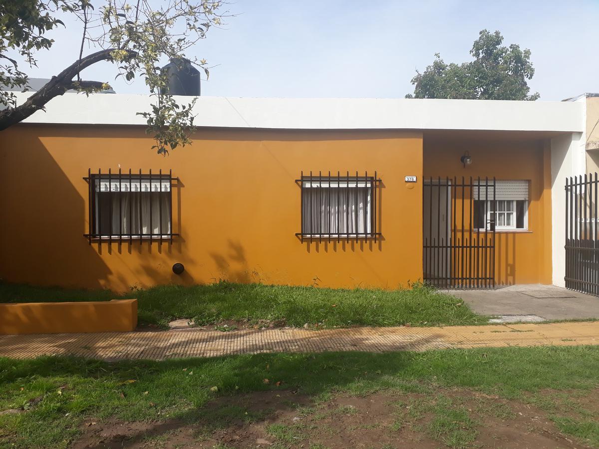 Foto Casa en Venta en FIGUEROA ALCORTA al 300, G.B.A. Zona Oeste | Moron | Castelar