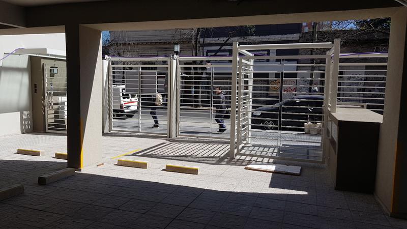 Foto Departamento en Alquiler en  Moron ,  G.B.A. Zona Oeste  9 de Julio 400 5ºD