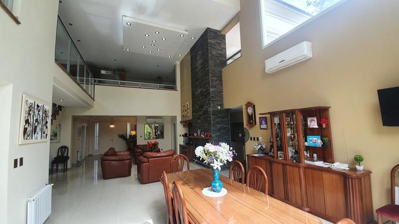 Foto Casa en Venta en  Adrogue,  Almirante Brown  Soler al 200