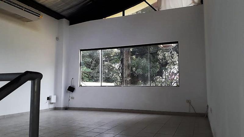 Foto Local en Alquiler en  Mcal. Estigambia,  La Recoleta  Zona Boggiani