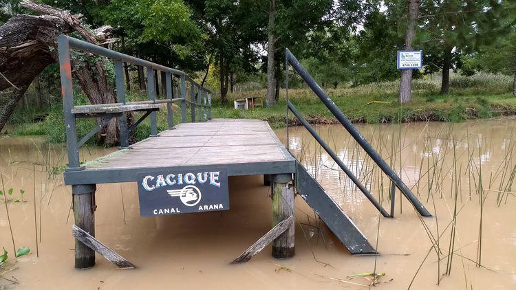 Foto Quinta en Venta en  Canal Arana,  Zona Delta San Fernando  Canal Arana Muelle: Cacique