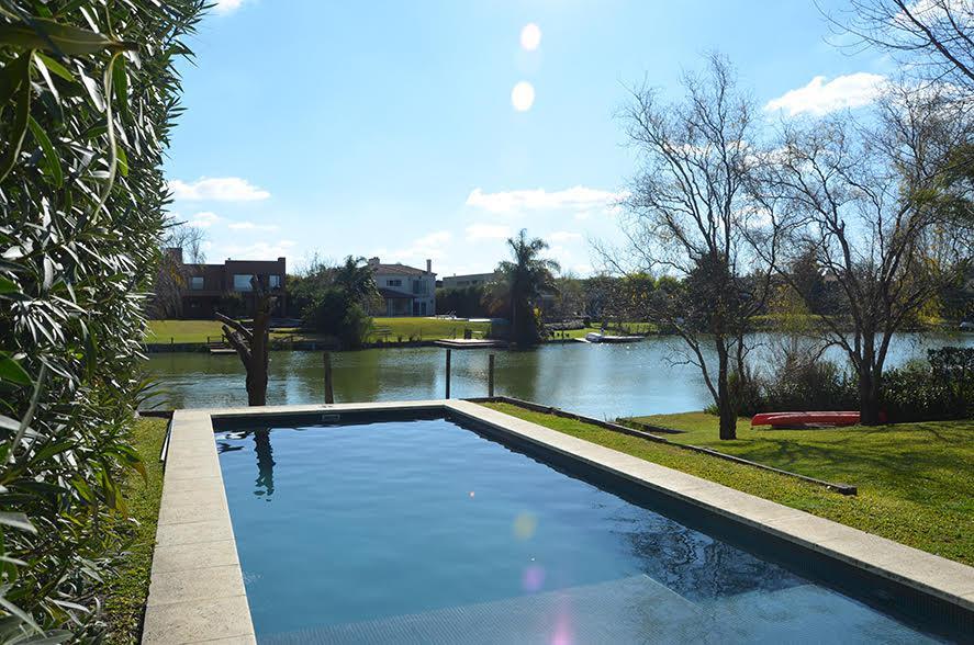 Foto Casa en Venta en  Santa Barbara,  Countries/B.Cerrado (Tigre)  Bancalari N° 3901, General Pacheco, Tigre, B° Santa Bárbara.