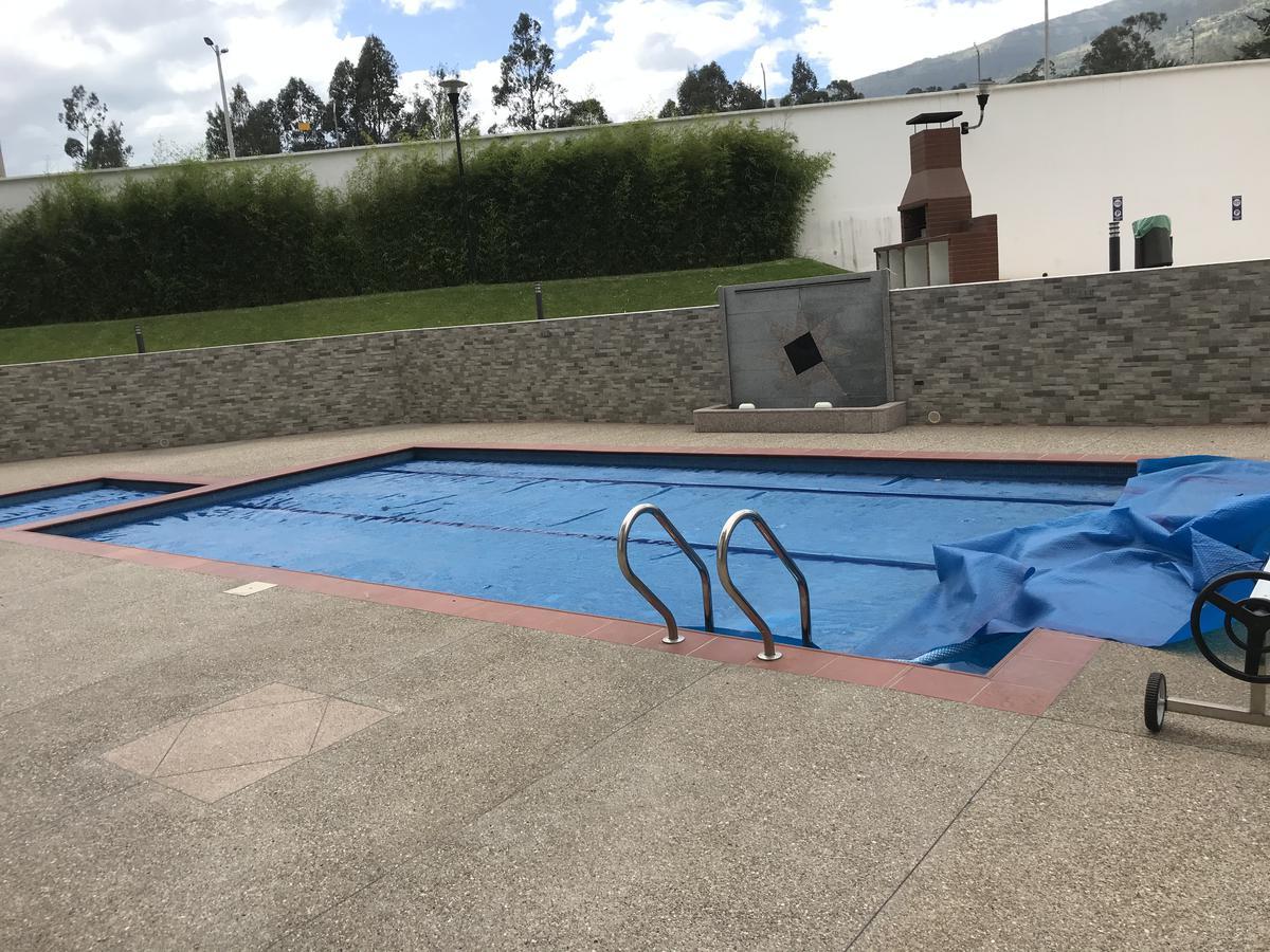 Foto Departamento en Venta en  Tumbaco,  Quito  Tumbaco, St Joseph