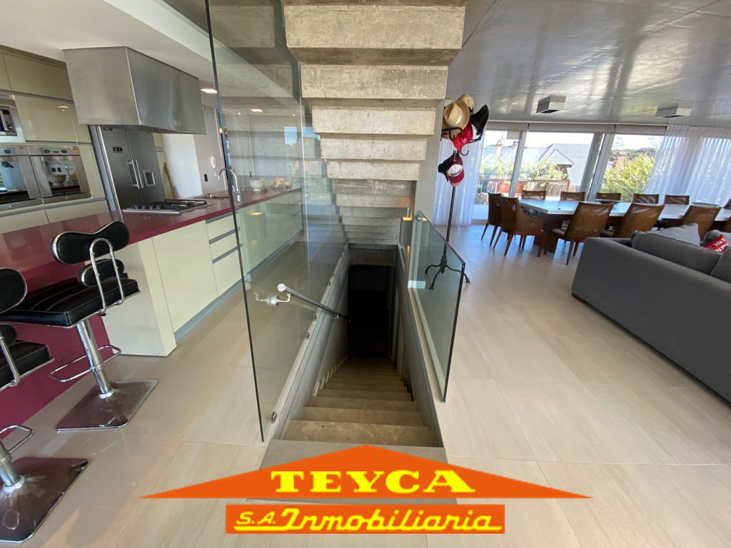 Foto Casa en Alquiler temporario en  Norte Playa,  Pinamar  AV. DEL MAR E/ ODISEA Y DE LOS PICAFLORES