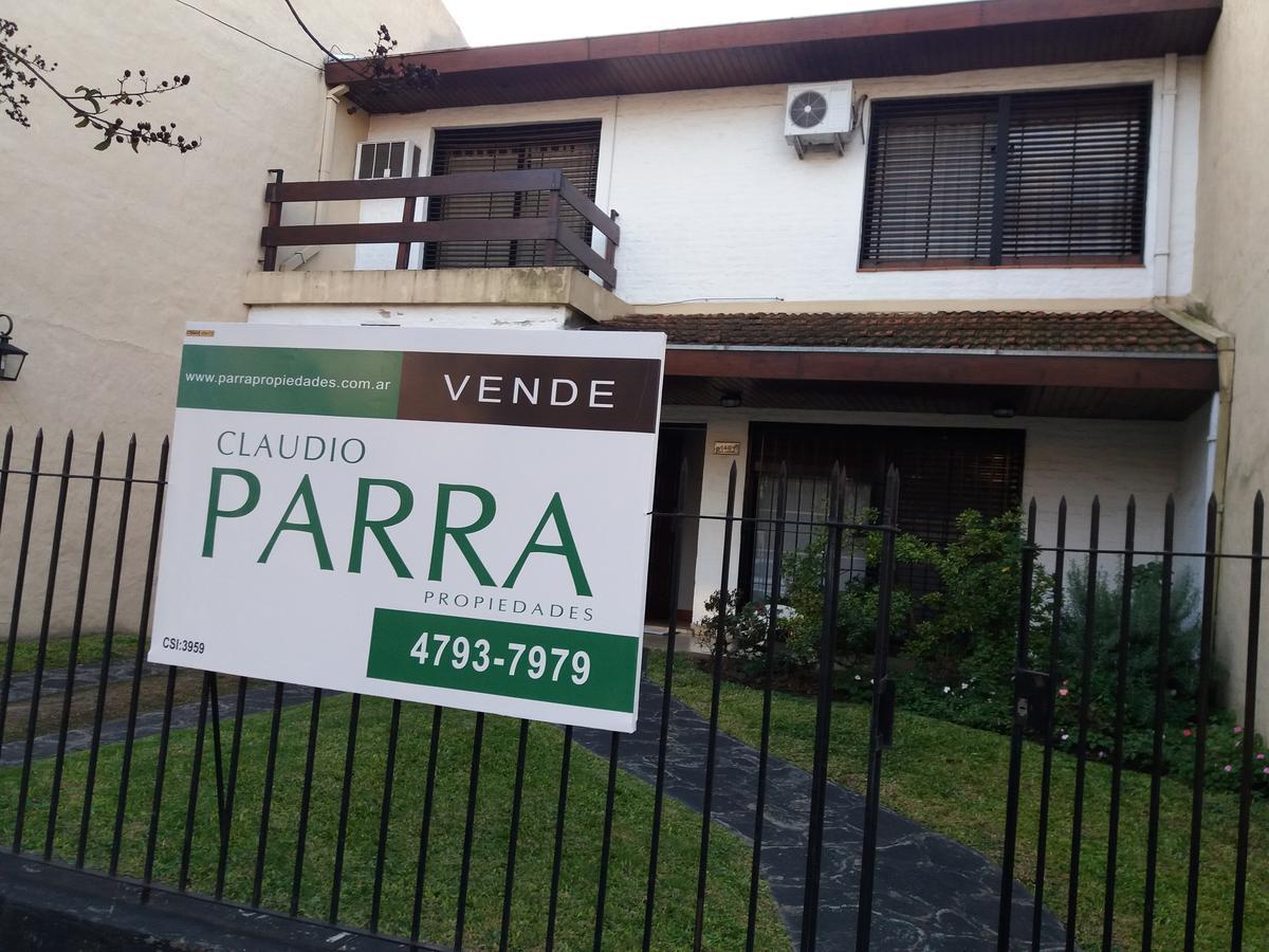 Foto Casa en Venta en  Martinez,  San Isidro  Monseñor Larumbe al 1400