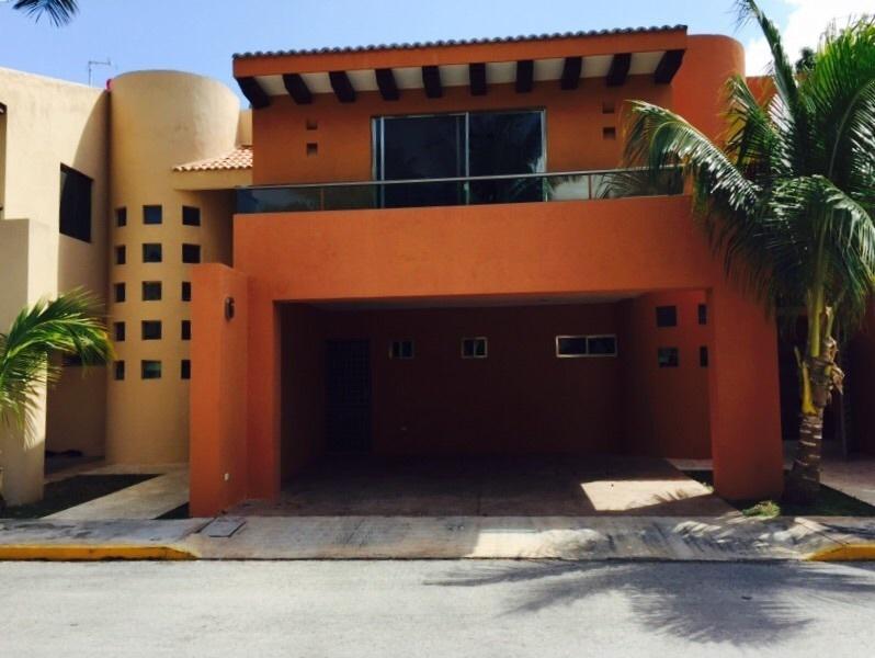 Foto Casa en Renta en  Fraccionamiento Montecristo,  Mérida  Rento casa en Montecristo en privada