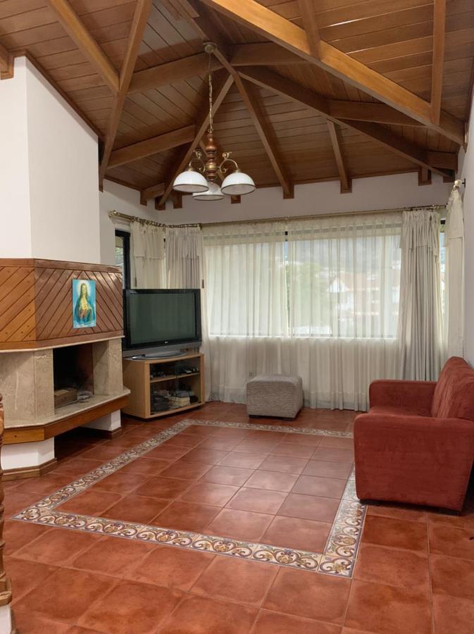 Foto Casa en Venta   Alquiler en  Cumbayá,  Quito  LA PRIMAVERA2, CUMBAYA VENTA Y/O RENTA LINDA CASA INDEPENDIENTE