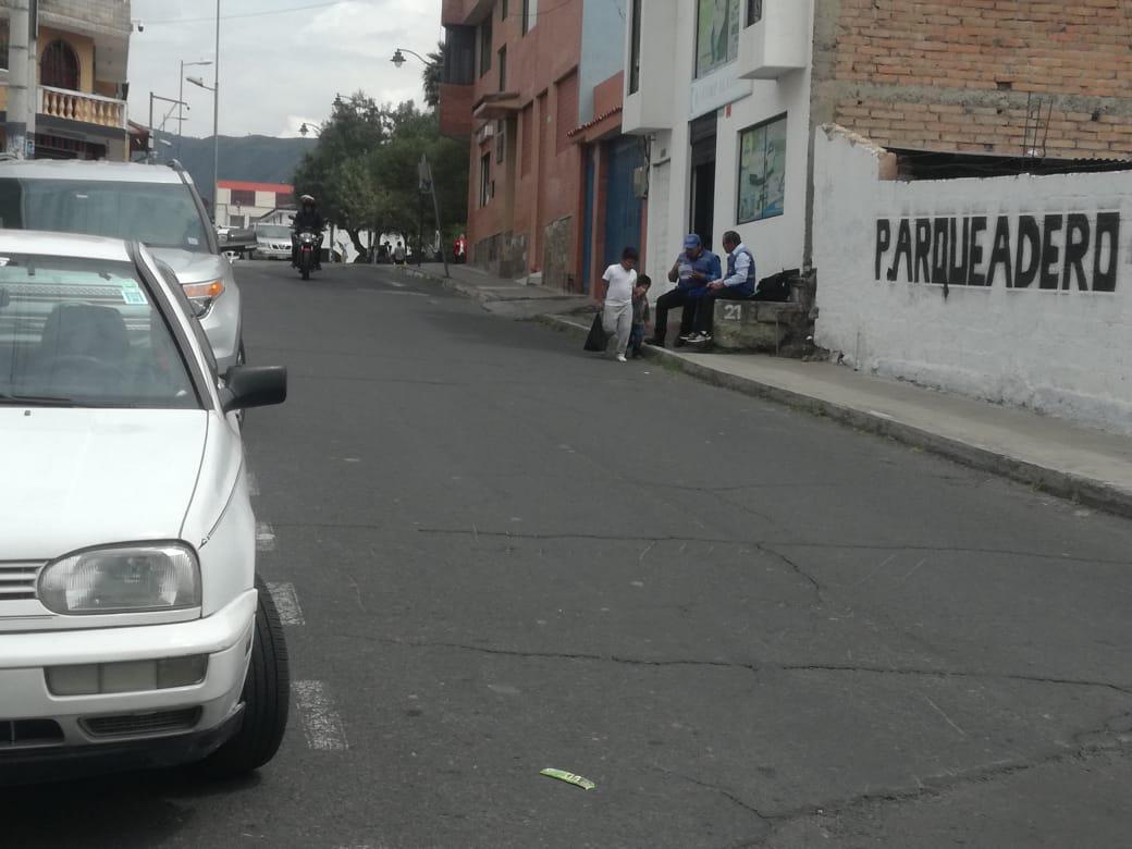 Foto Terreno en Venta en  Tumbaco,  Quito  Parque de Tumbaco
