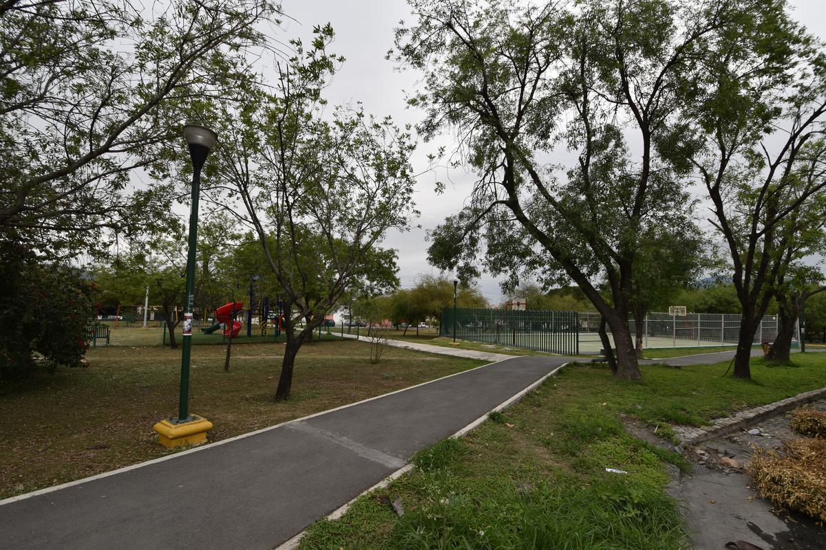 Foto Casa en Venta en  Monterrey ,  Nuevo León  Casa Venta Cumbres 3er Sector Monterrey
