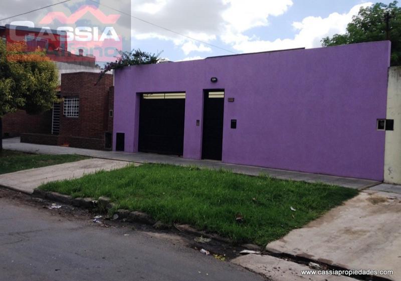 Foto Casa en Venta en  Lanús Este,  Lanús  LAS PIEDRAS 2834