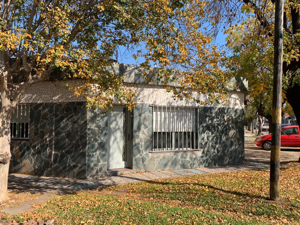 Foto Casa en Venta en  Tiro Suizo,  Rosario  Hilarion de la Quintana al 1700