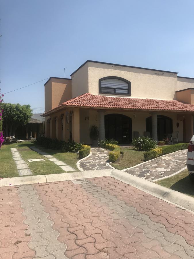 Foto Casa en Venta |  en  Los Olvera,  Corregidora  Los Olvera