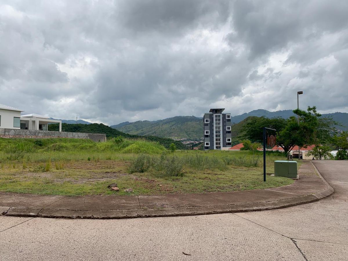 Foto Terreno en Venta en  Lomas del Molino,  Tegucigalpa  Terreno Plano en Venta Lomas del Molino, Tegucigalpa