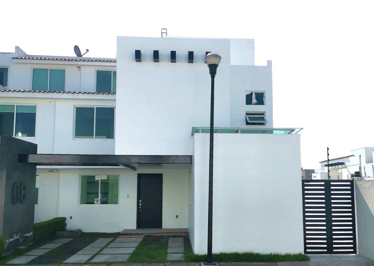 Foto Casa en condominio en Venta en  San Mateo Atenco ,  Edo. de México  VENTA DE CASA EN QUINTA REGINA SAN MATEO ATENCO