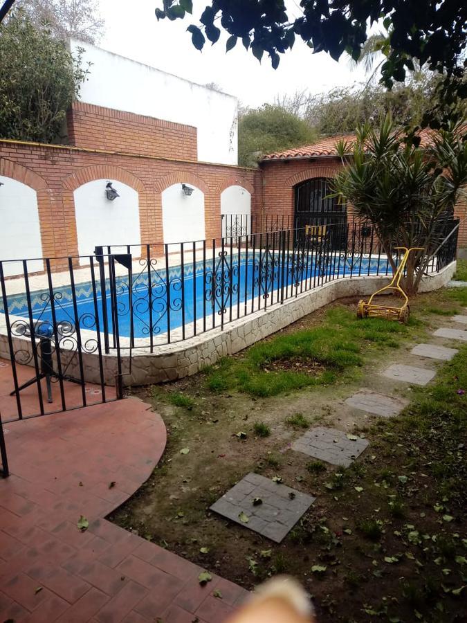 Foto Casa en Alquiler en  Alberdi,  Rosario  Agrelo al 1300