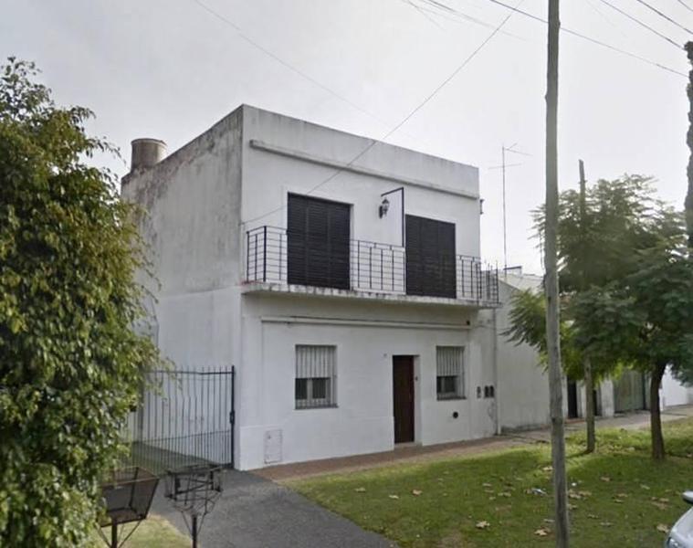Foto PH en Venta en  Quilmes Oeste,  Quilmes  Larrea 1617 e/ 12 de Octubre y 1ro de Mayo