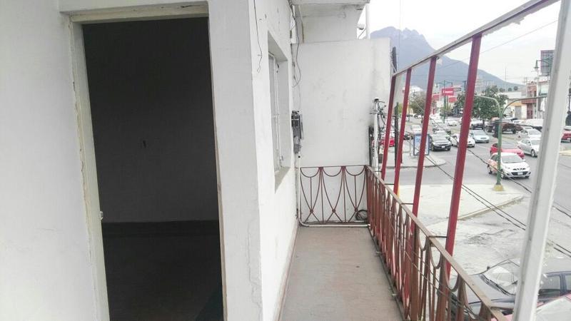 Foto Local en Renta en  Centro,  Monterrey  Av. Madero Centro