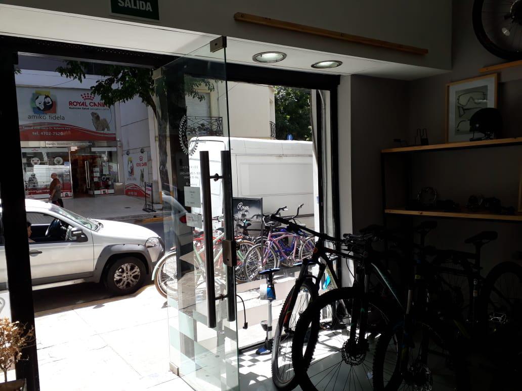 Foto Local en Venta en  Belgrano C,  Belgrano  Av. Congreso al 2100