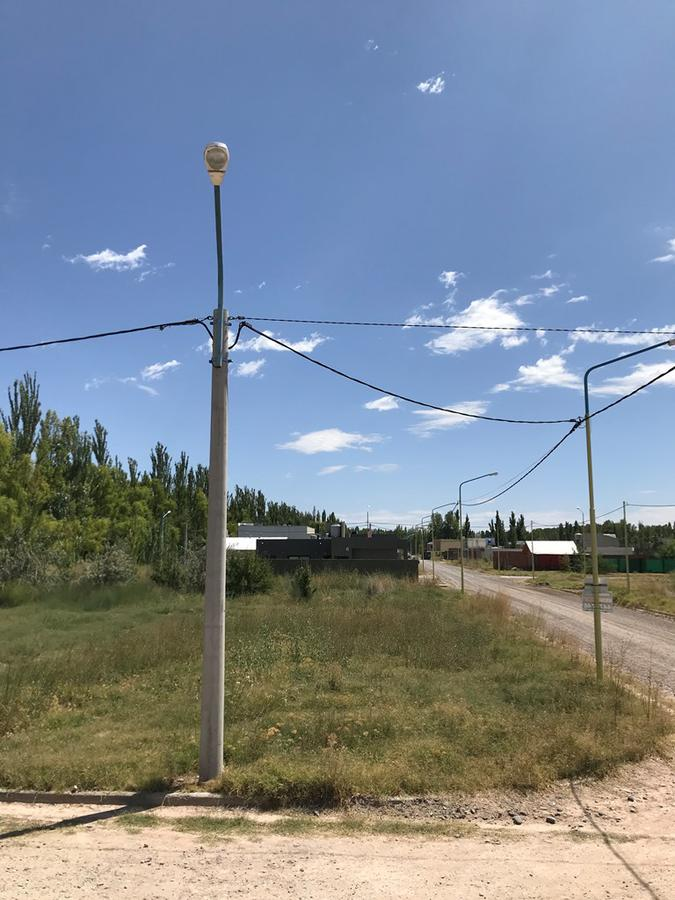 Foto Terreno en Venta en  Centenario,  Confluencia  Terreno 400 m2 en esquina - B° Rincón del Valle - Centenario/Neuquén