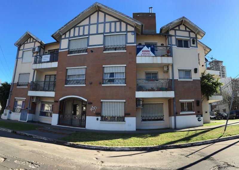 Foto Departamento en Venta |  en  Lomas De Zamora ,  G.B.A. Zona Sur  POZOS 420