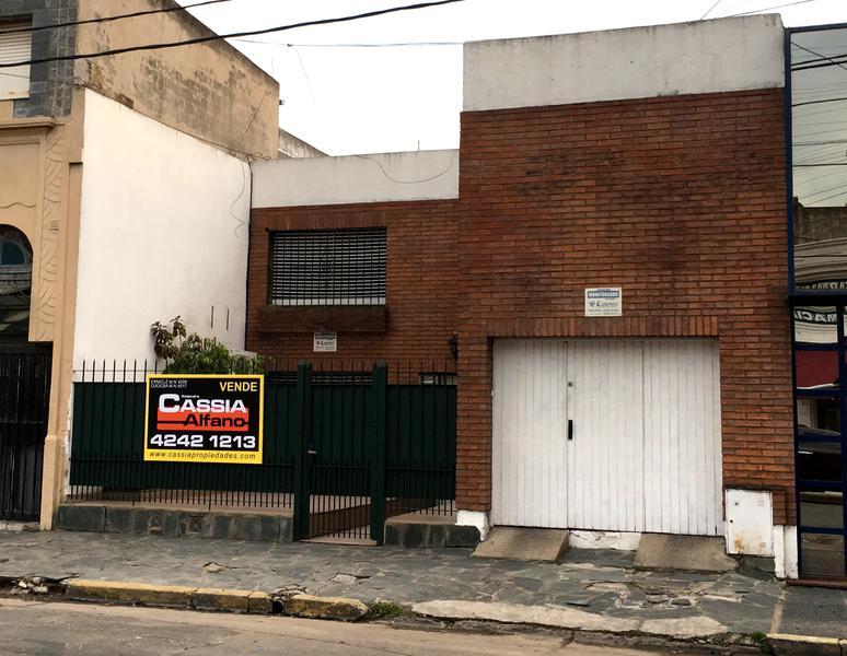 Foto Casa en Venta en  Temperley Oeste,  Temperley  DORREGO 697