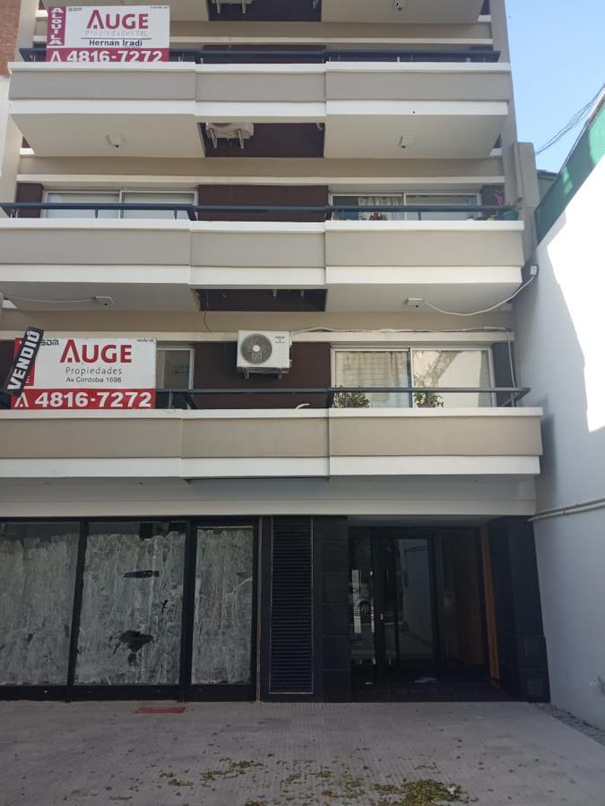 Foto Local en Venta en  Flores ,  Capital Federal  Juan Bautista Alberdi  al 2800