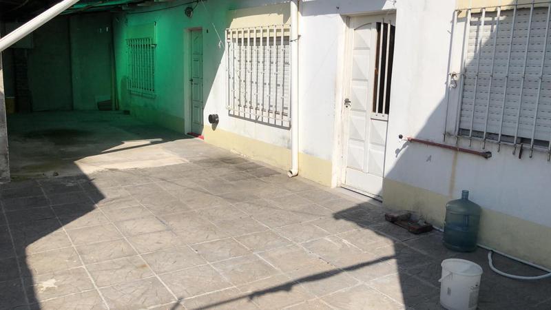 Foto Departamento en Alquiler en  Ezeiza ,  G.B.A. Zona Sur  Liniers 255 (fondo)